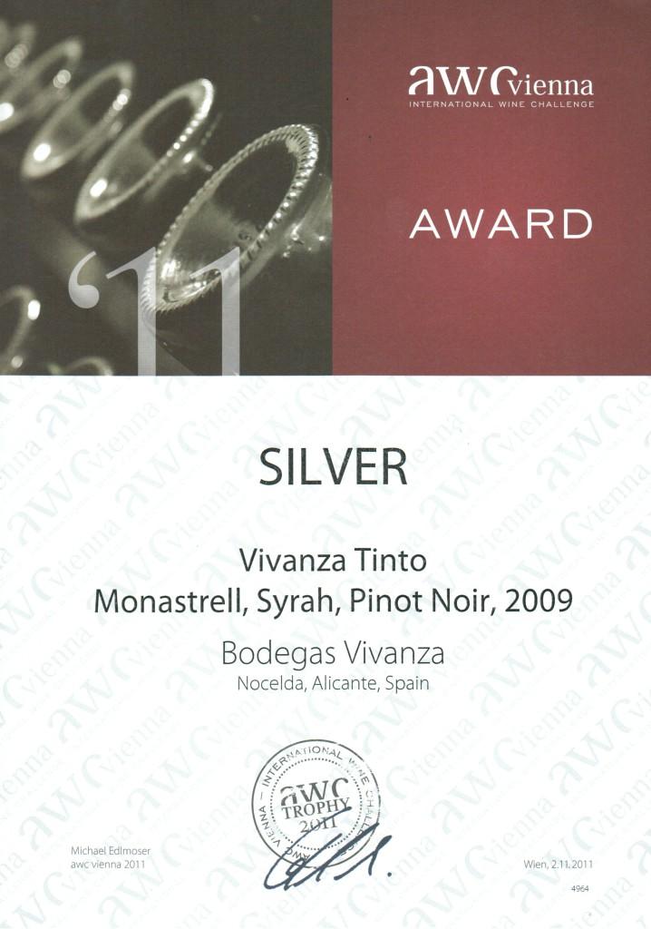 """Diploma concedido en la feria «International Wine Challenge – AWC-Vienna 2011». Galardonado con la medalla de plata por el vino tinto """"VIVANZA""""."""